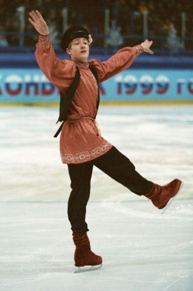 В сезоне-1998/1999 Плющенко впервые выигрывает чемпионат России. Всего таких побед в карьере спортсмена будет 10.