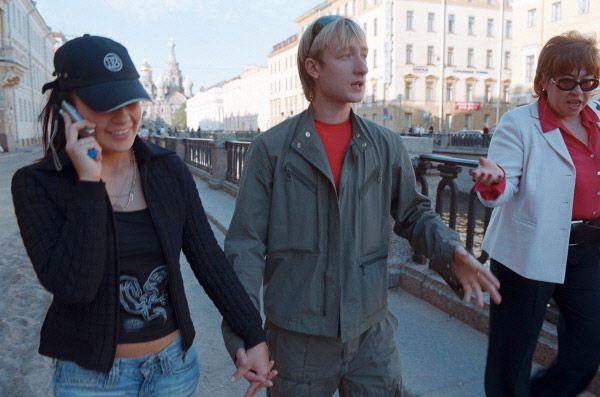 В 2005 году Евгений Плющенко женился на студентке факультета социологии Петербургского университета Марии Ермак.