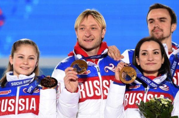 В командном зачете по фигурному катанию в Сочи Плющенко взял золото.