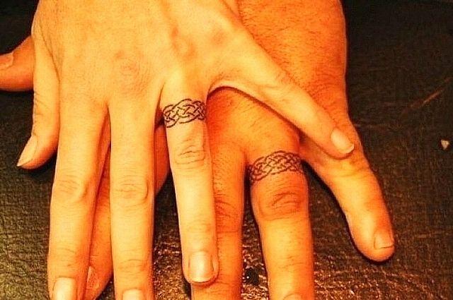 Парная татуировка - обручальные кольца