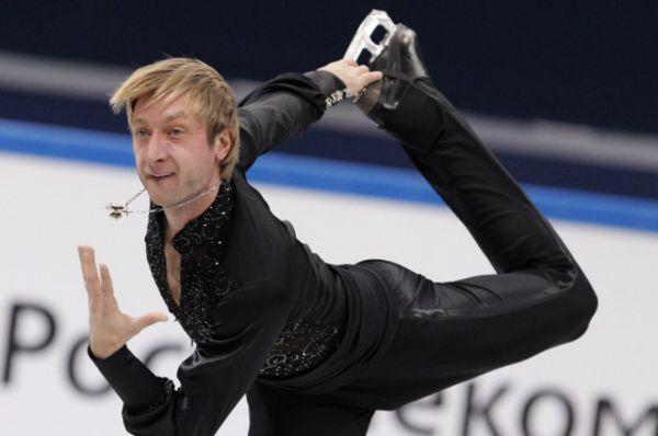 В 2001 году Плющенко впервые в карьере одержал победу на Чемпионате мира.