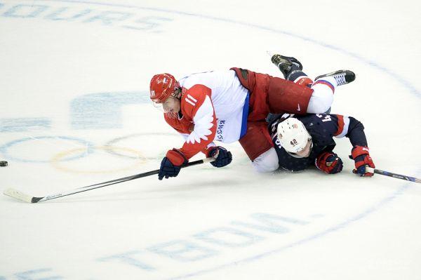Американцы старались внимательно играть в обороне против одного из лидеров сборной России Евгения Малкина.