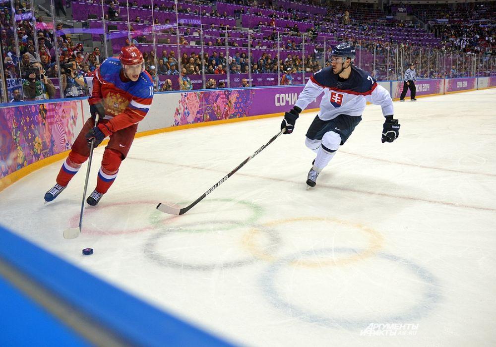 В первом периоде команда Словакии нанесла по воротам сборной России больше ударов, однако открыть счёт никому не удалось.