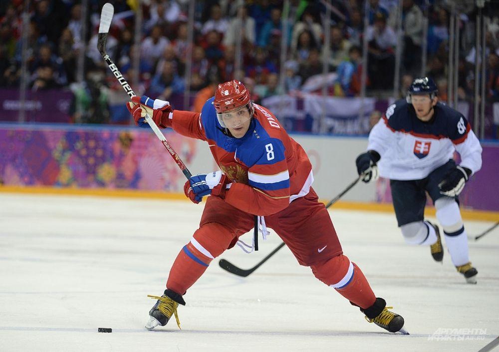Третий период прошёл уже под диктовку российской команды, штурмовавшей ворота соперников, но до гола так и не дошло.
