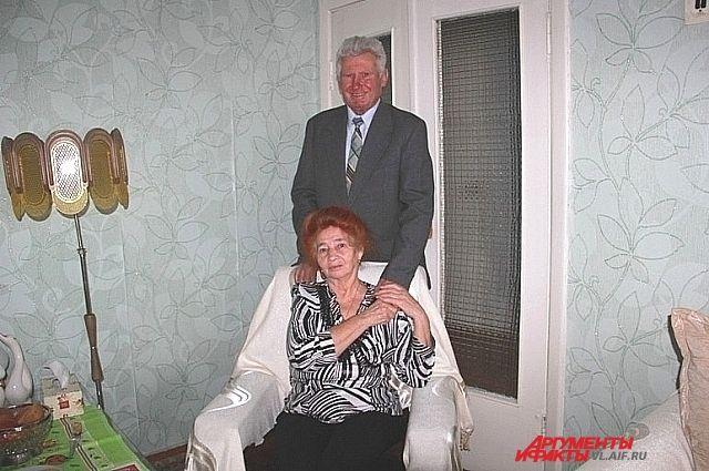 50 лет пролетели, как один день, а любовь осталась.