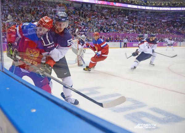 После поражения от команды США во втором туре сборной России для прямого выхода в четвертьфинал необходимо было побеждать сборную Словакии.