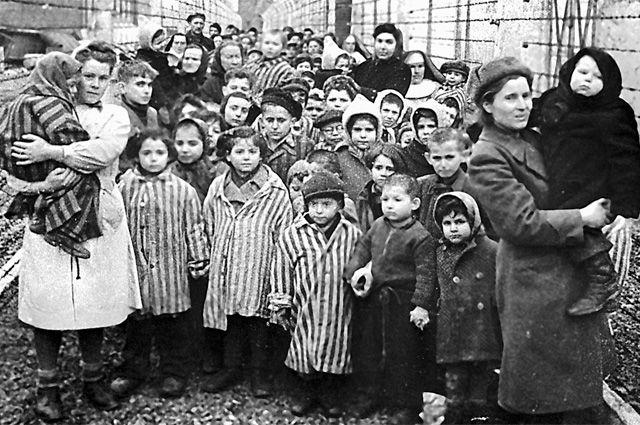 Немцы обречены ещё долго каяться за то, что сотворили с евреями во Вторую мировую.