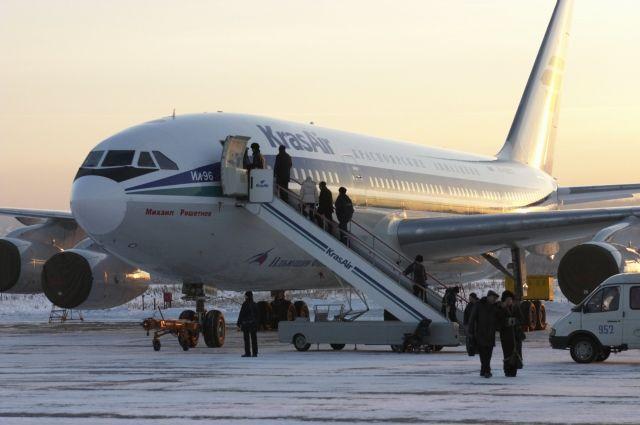 Бортпроводница, выпавшая из самолета, технику безопасности не нарушала