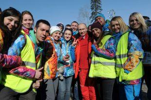 Владимир Путин с волонтерами