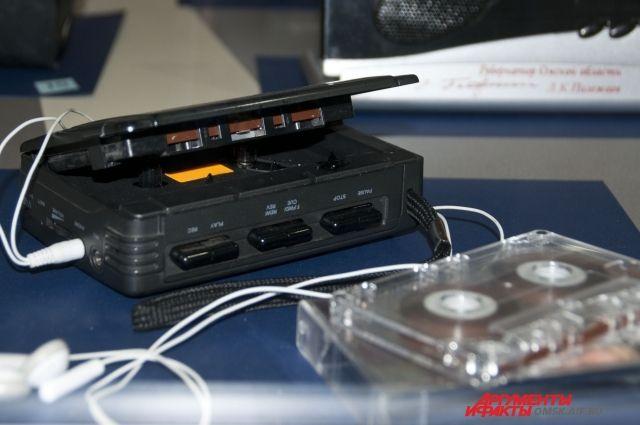 На выставке представлены самые разные радио- и телеаппараты.