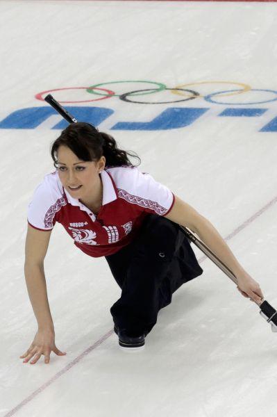 В составе сборной России по кёрлингу также выступает 25-летняя красавица Екатерина Галкина, двукратная чемпионка Европы.