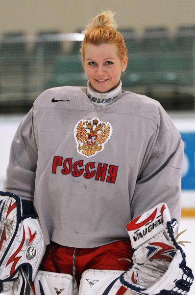 Одна из самых очаровательных российских спортсменок - вратарь женской хоккейной сборной Анна Пругова.