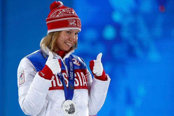 Красавица Ольга Фаткулина отличилась в скоростном беге на коньках – она заняла второе место на дистанции 500 м, опередив в том числе голландскую спортсменку Маргот Бур.