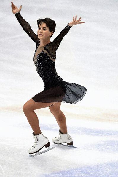 Звезда Ирины Слуцкой взошла в 2002 году, когда она заняла второе место на Олимпийских играх в Солт-Лейк-Сити и выиграла свой первый чемпионат мира.