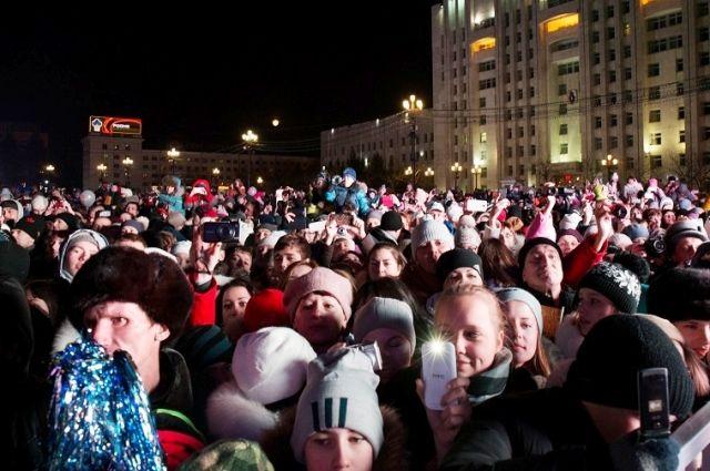 Хабаровчане встречают Олимпийский Огонь