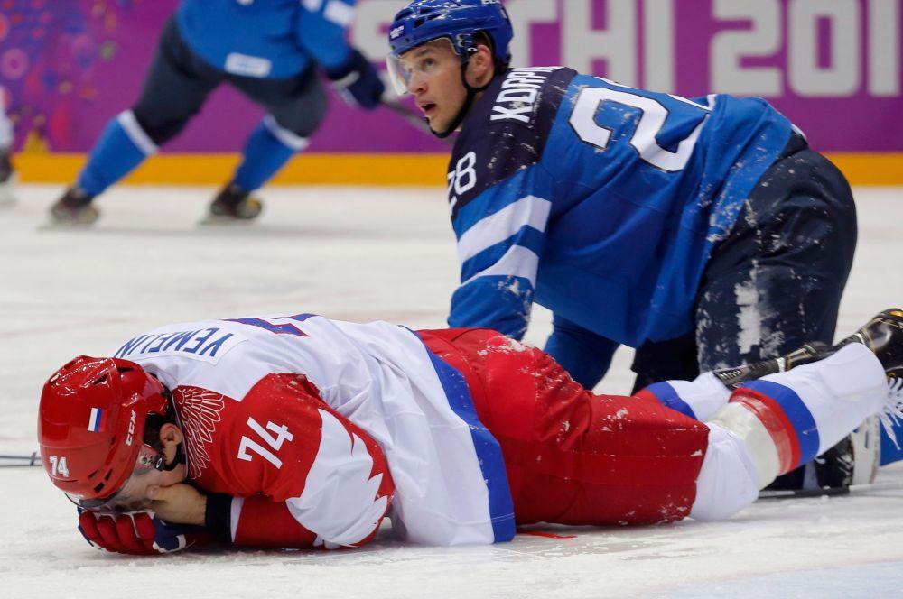 Российская сборная не может завоевать медали с 2002 года, когда возглавляемая Вячеславом Фетисовым команда взяла «бронзу». В Турине в 2006 году россияне были четвертыми, а в Ванкувере четыре года назад вылетели в четвертьфинале, потерпев чувствительное поражение 3:7 от сборной Канады.