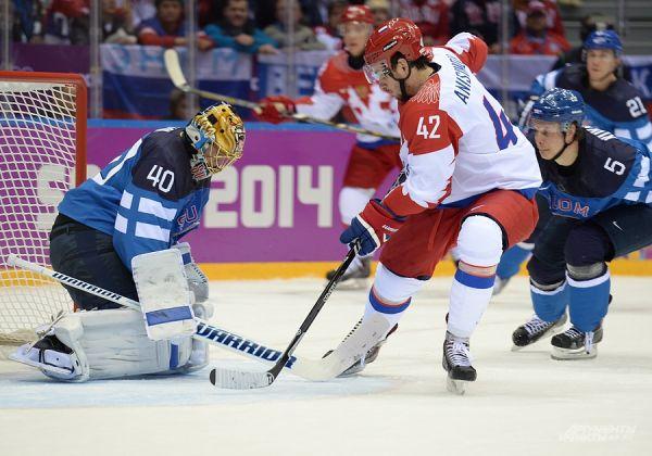 Бобровский несколько раз спас нашу команду, которая бросилась отыгрываться и начала штурмовать ворота финнов.