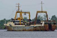 Сухогруз в порту.