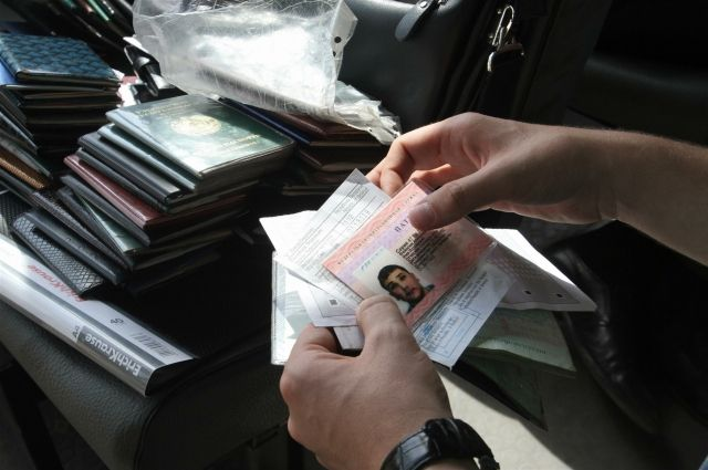 Иностранные граждане едут к нам в основном в поисках работы.