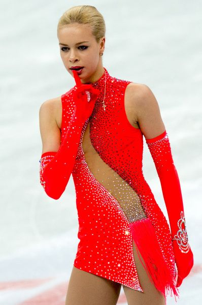 Анна Погорилая в сезоне 2013/14 одержала победу на соревнованиях Cup of China, а также заняла третье место на Trophée Eric Bompard, этапе Гран-при.