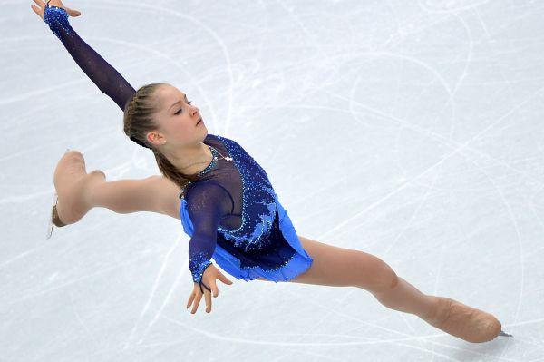 Настоящий вундеркинд Юлия Липницкая в 15 лет стала обладательницей золотой Олимпийской медали – в составе сборной России она одержала победу в командных соревнованиях в Сочи.