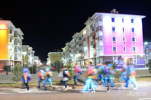 Под занавес Олимпиады самое время обратить внимание на околоспортивную жизнь тех, кто собрался в эти дни в столице спорта - Сочи и Адлере.