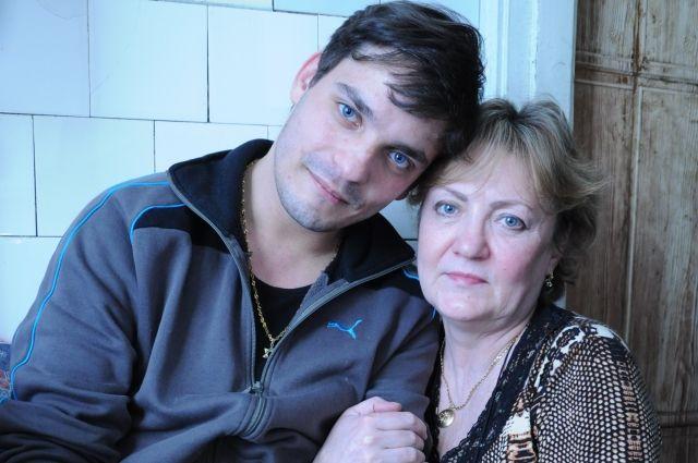 То, что Андрей выжил в детдомовской системе, невероятно, но настоящее чудо случилось, когда он встретил свою мать!