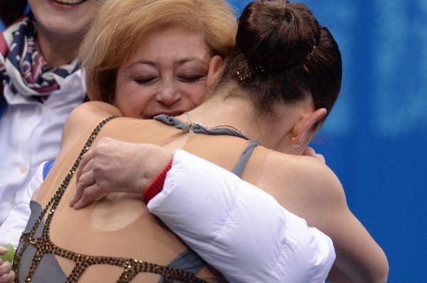 Сотниковой всего 17 лет, но на счету новой королевы фигурного катания уже четыре титула чемпионки России, два серебра европейских первенств и олимпийское «золото».