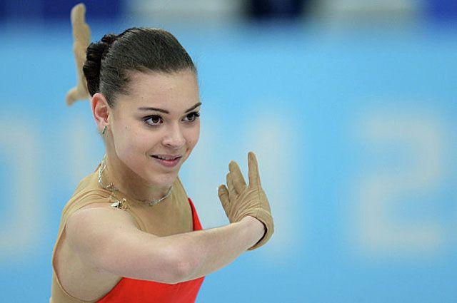 Аделина Сотникова в короткой программе на Олимпийских играх в Сочи.