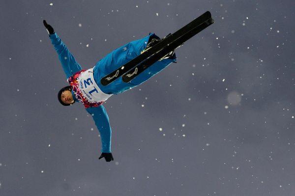 Белорусский фристайлист Дмитрий Дащинский после неудачного выступления на Олимпиаде в Сочи заявил, что не видит смысла продолжать спортивную карьеру. Дащинский в понедельник не смог пробиться в решающий финальный раунд в соревнованиях по лыжной акробатике. Для 36-летнего серебряного призера Турина эти Игры стали уже пятыми в карьере.