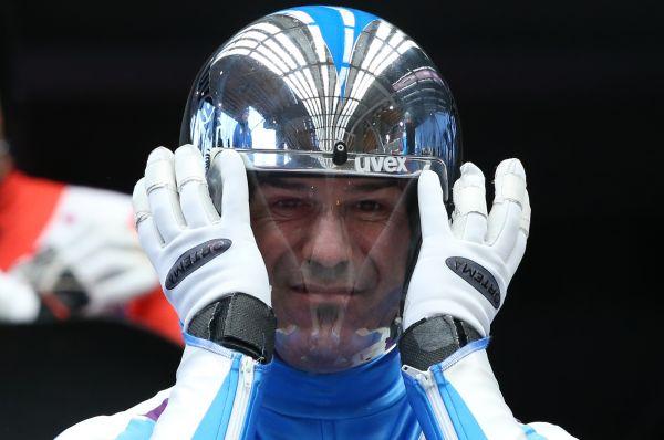 Известный итальянский саночник Армин Цоггелер также решил уйти из большого спорта. В Сочи он завоевал «бронзу» в индивидуальных соревнованиях на одноместных санях. Сочинская медаль стала для Цоггелера шестой в этой дисциплине.