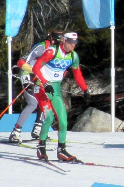 Решение о завершении спортивной карьеры после неудачных стартов на Играх в Сочи принял белорусский биатлонист Сергей Новиков. В спринте Новиков был 33-м, в гонке преследования – 50-м, а в индивидуальной гонке занял 54-е место. Лучшим результатом  Новикова была серебряная медаль в индивидуальной гонке на Олимпиаде в Ванкувере в 2010 году.