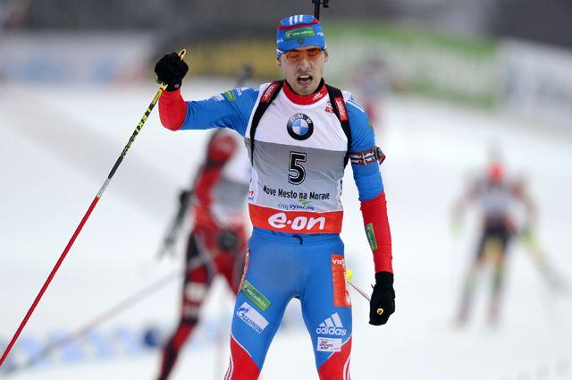 Уралец Антон Шипулин принес России золотую медаль в эстафете по биатлону