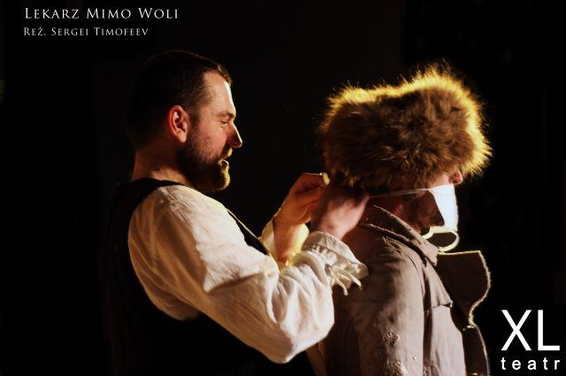 Сергей Тимофеев поставил спектакль «Лекарь поневоле» в Польше.