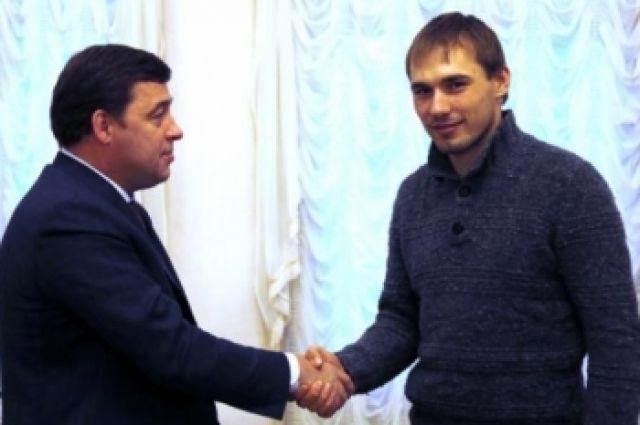 Губернатор Куйвашев поздравил биатлониста Шипулина с победой в Сочи