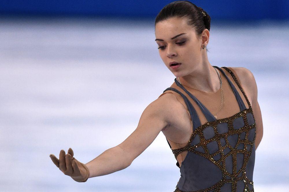 17-летняя Аделина Сотникова стала второй российской фигуристкой, совершившей сенсацию в Сочи. Соревнования фигуристок-одиночниц завершились блистательным триумфом Сотниковой, завоевавшей свою первую золотую олимпийскую медаль в одиночном разряде.