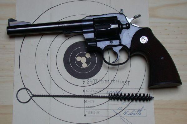 Фирма Colt в 1969 году выпустила револьверы двойного действия Mk. III Trooper Lawman. В нём были применены многие передовые на тот момент идеи и механизмы огнестрельного оружия. Револьвер стал одним из наиболее надёжных и мощных в своём классе и стоял на вооружении у полиции.