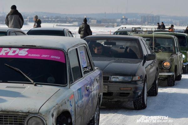 Поучаствоват ьв заездах изъявили желение почти 200 автолюбителей.