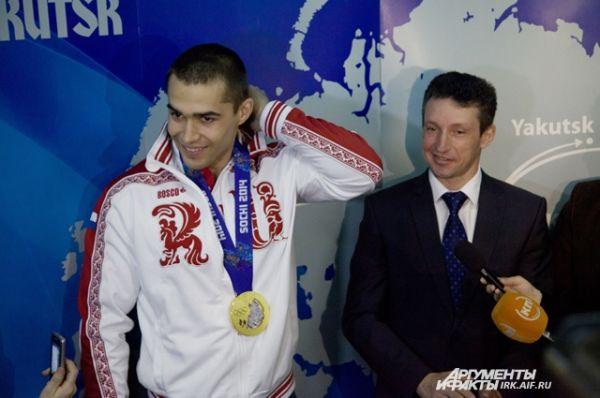 Похоже, Алексей сам удивлен такому вниманию. Журналистам спортсмен сказал, что не ожидал, что на Олимпиаде все будет так серьезно и сложно.