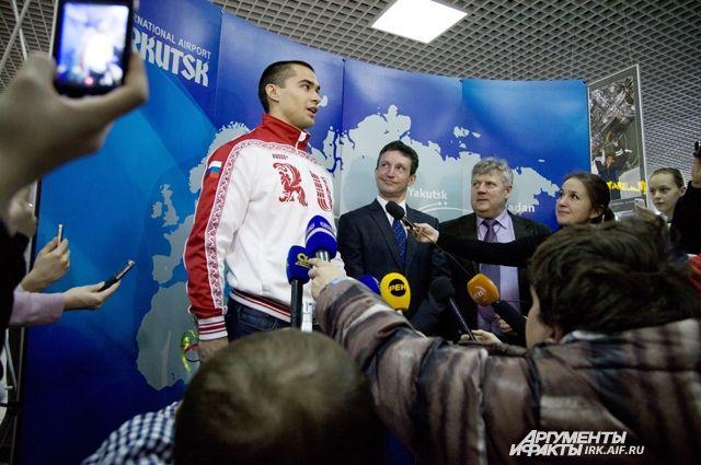 Алексея Негодайло встречали как героя.