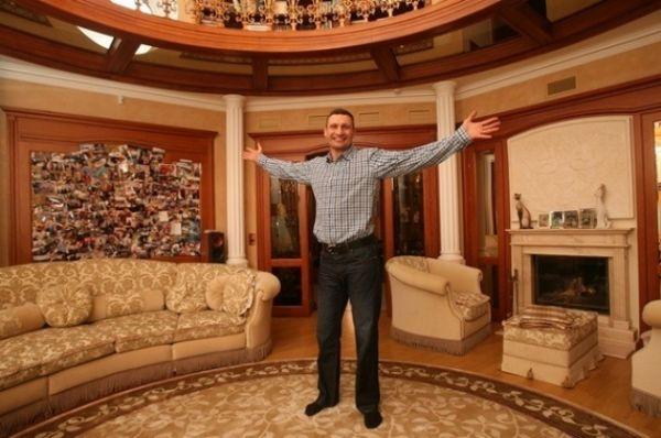 Виталий Кличко не боится показывать свою квартиру