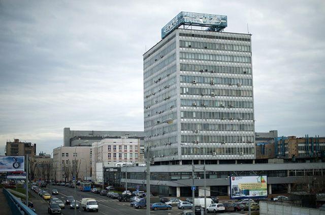 Здание завода имени И. А. Лихачёва в Москве.