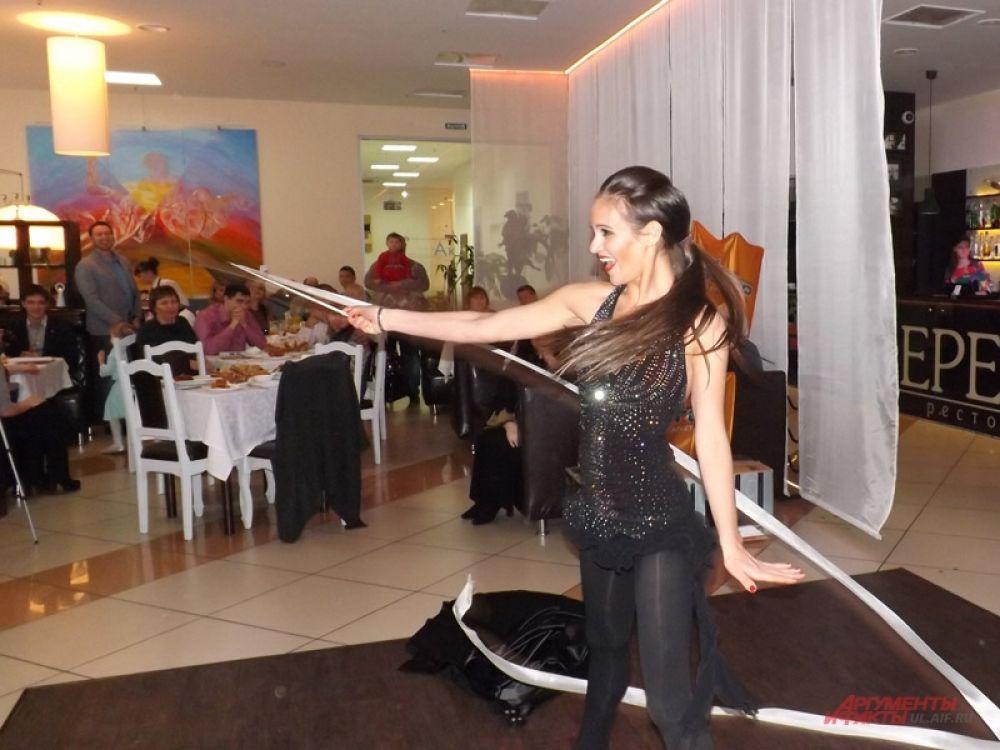 Мария Шеянова - «Спортивная мама» показала танцевально-акробатический номер