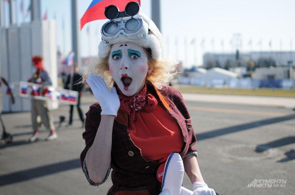 На время Олимпиады в Сочи стянулось огромное количество творческих людей, не забывавших поддерживать нашу сборную.