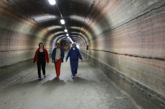 Комплекс расположен на глубине 420 м под землёй.