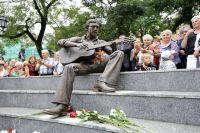 Памятник Владимиру Высоцкому во Владивостоке