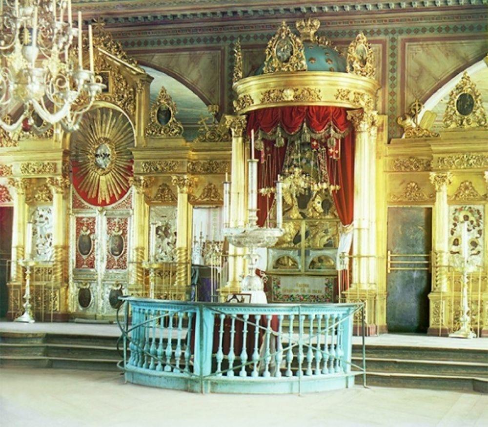 Иконостас православной церкви в Смоленске, 1912 год.