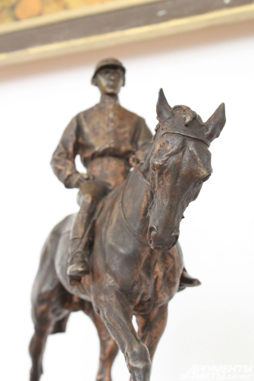 """""""Жокей"""", 19-й век, черная бронза."""