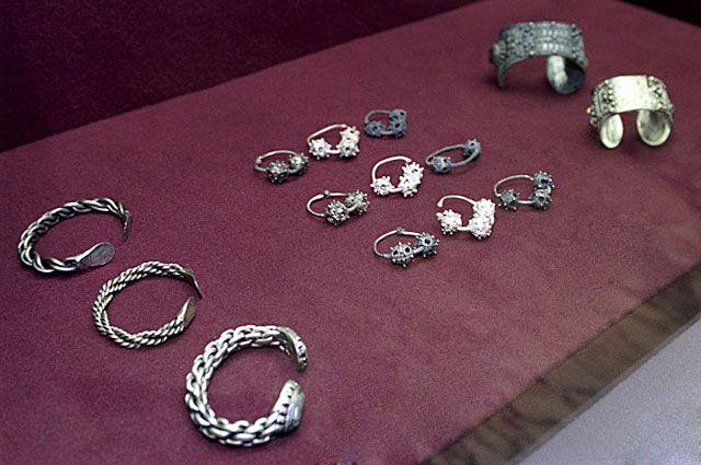 Ювелирные украшения из Большого Кремлёвского клада. Найден в 1988 году у Спасских ворот.