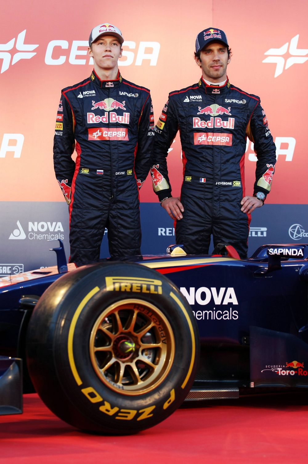 Напарником Квята (слева) станет француз Жан-Эрик Вернь, куда более опытный гонщик, для которого предстоящий сезон будет уже третьим в Формуле-1.